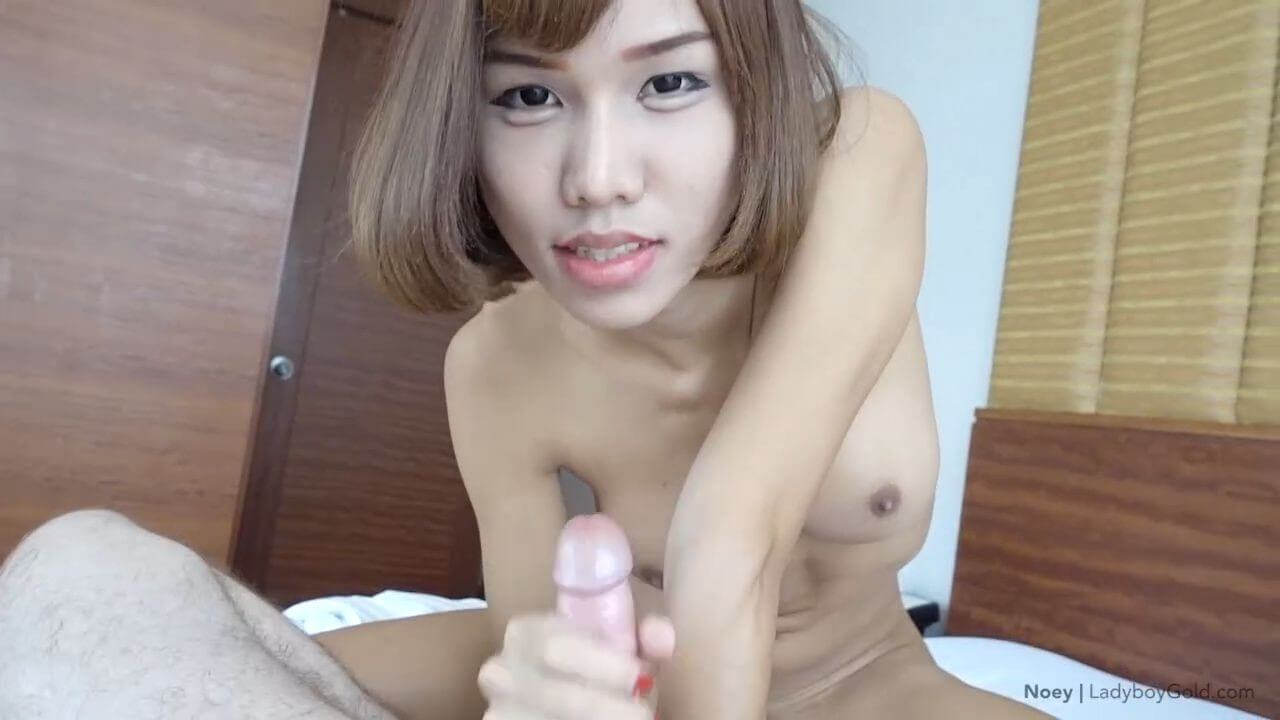 Ladyboy Noey video and a handjob